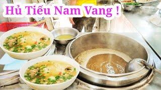 Quán Hủ tiếu Nam Vang có tiếng ở Sài Gòn hút khách đông mỗi sáng