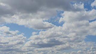 Красивые облака и небо. Ускоренная съемка. Музыка для медитации и релакса. Time-Lapse.