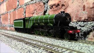 Opening the new OO Hornby Flying Scotsman  with TTS sound