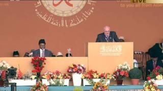 Terry Eccott, Deputy Mayor of Alton at Ahmadiyya Muslim Jalsa Salana UK 2011