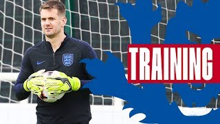 Tom Heaton Challenges Pickford & Butland to Catching Challenge | GK Training | Inside Training
