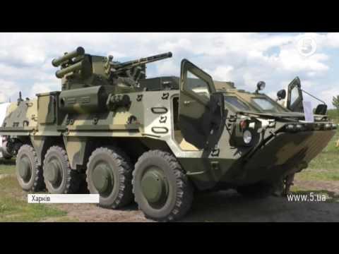Удосконалений БТР 4-Е випробували на військовому полігоні під Харковом