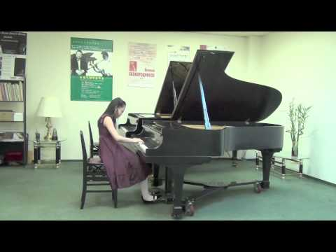 Hai Lun (Helen) Yu, piano, 9 years old, Vancouver (Canada)