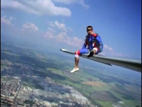 Relax on the wing of L-13 Blanik Glider... and JUMP!!!