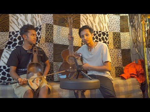 Sarangi and Guitar Jam|| Manish Ft Chetan Jamming at studio