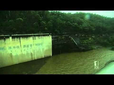 Warragamba Dam reaches full capacity