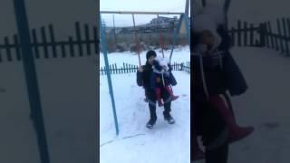 Дядя с племянницей )