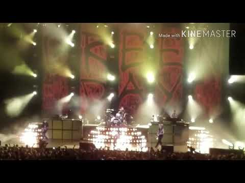 Green Day live Hartford, CT 280817