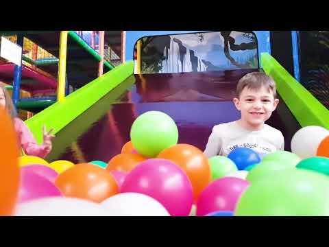 Копировать видеофильм Дети играют на игровых площадках. Video compilation from KIDS TOYS CHANNEL