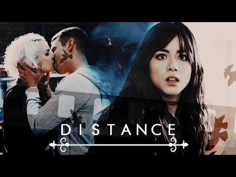 ● Multicouples | Distance