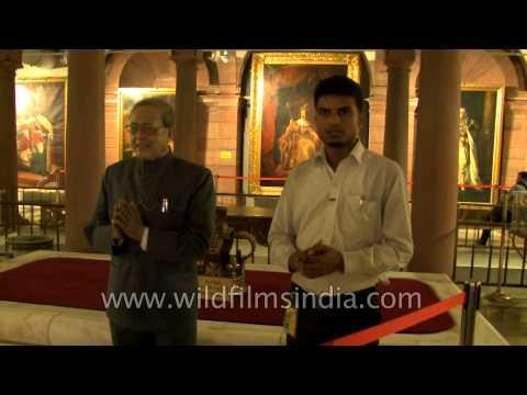 Wax statue of the Hon'ble President of India at Rashtrapati Bhavan