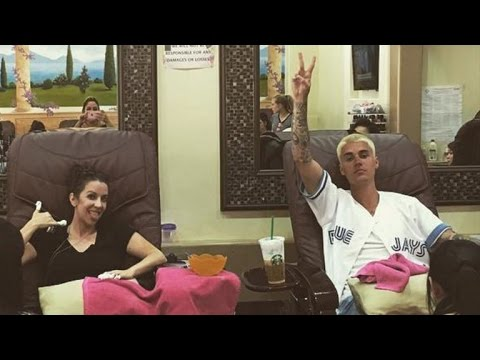 Justin Bieber Pictured With Mom Pattie Mallette For First Time in Months - See the Photo