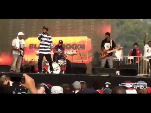 RZA intro + Black Moon & band live @ Rock The Bells NYC 2011 [FOOTAGE BY DISTRICTREV]