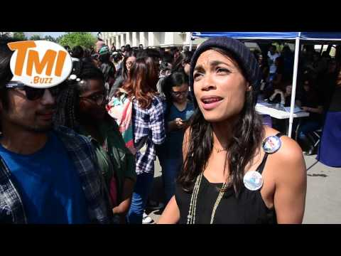 Rosario Dawson Rocks The Campus 4 BERNIE at college Campuses in Los Angeles, Ca