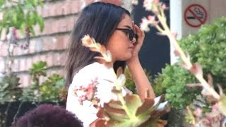 Download Video Selena Gomez Grabs Tacos After Announcing First Album In Four Years - EXCLUSIVE MP3 3GP MP4