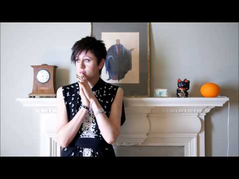 Tracey Thorn - Under The Ivy (Kate Bush cover)