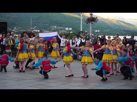 Ohrid Square Evening Show Today, Visit Macedonia