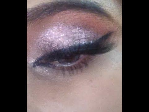 Beginners Glittery Eye Makeup Tutorial | How To Apply Eyeshadow | TheMakeupChair thumbnail
