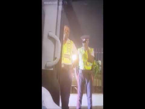 JAMAICAN POLICE STOP MEEK MILL Mp3