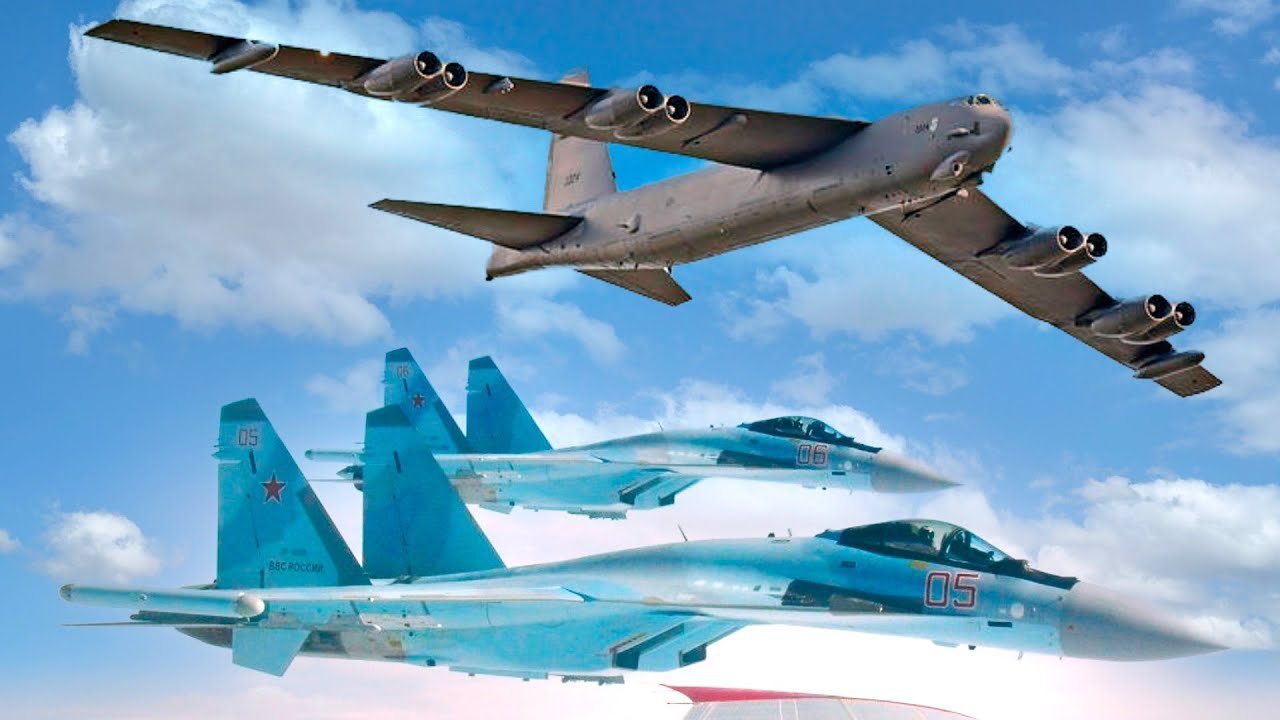 Три Су-35С перехватили бомбардировщик В 52Н ВВС США