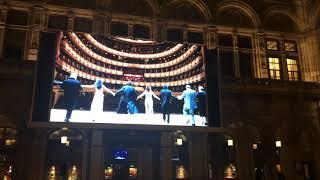 辰巳琢郎撮影。 2017年12月31日 ウィーン国立歌劇場前にて.