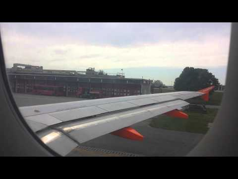 Decollo di Easyjet da Milano Malpensa