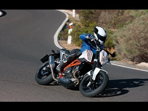 KTM 690 Duke - Test in den Alpen