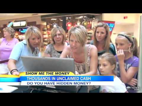 Broadcaster Elisabeth Leamy surprises people with Unclaimed Money at the Mall of America