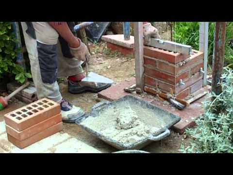Construcci n pilar de 30x30 ladrillo cara vista v deo n for Construccion de chimeneas de ladrillo