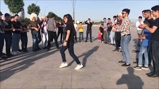 Парень И Девушка Танцуют Очень Круто В Толпе В Баку 2018 Новая Лезгинка ALISHKA LEYLA ELVIN MUQUMA