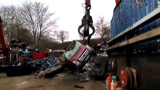 Watford Borough Council crushes flytipper's pick-up truck