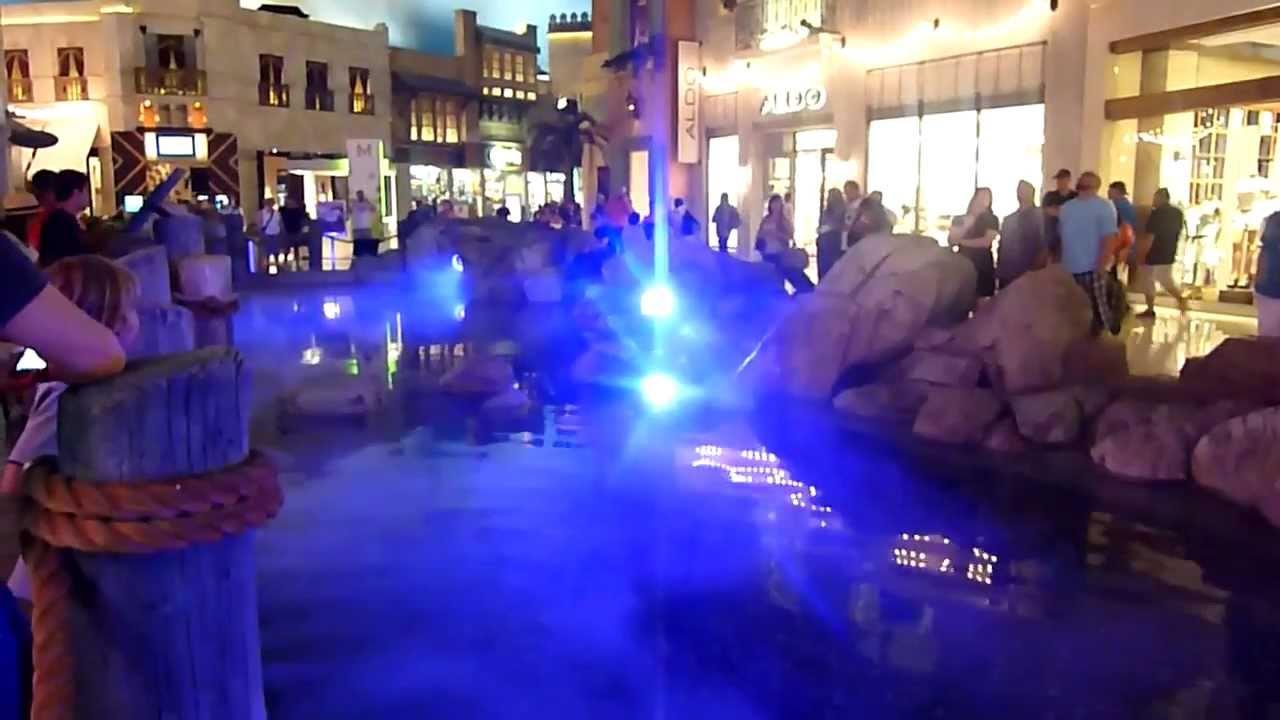 planet hollywood vegas mall