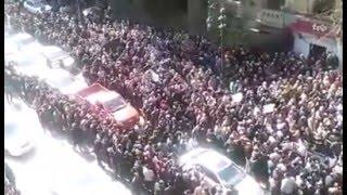 بالفيديو .. شارع قصر العيني يفيض بأطباء الجمعية العمومية .. وهتافات: مش هنسيب كرامتنا تضيع