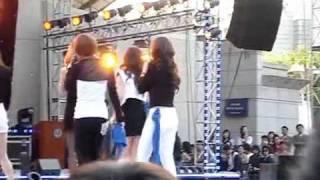 [FANCAM] 100513 4minute - For Muzik + Muzik + Hot Issue @ Yonsei Festival Akaraka