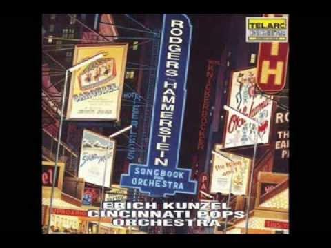 01. Oklahoma [Orchestral Suite] - Rodgers & Hammerstein - Cincinnati Pops Orchestra