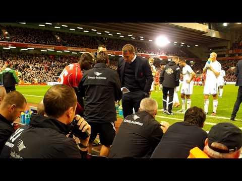 Mario Balotelli substitution in Liverpool-Swansea 28-10-2014