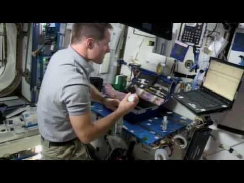 [Hyperlapse] Thomas Pesquet installe EXO-ISS à bord de la station