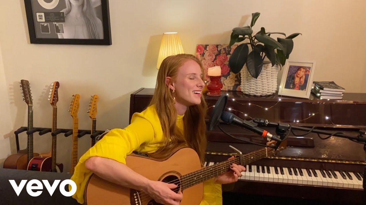 Vera Blue – Regular Touch (Live – Music From The Home Front)