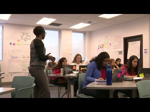 Girls Who Code Students Spend Summer Learning At Miami Dade College