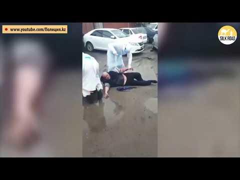 Седан протаранил блокпост в Алматы