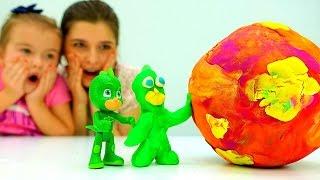 Герои в Масках из #ПлейДо Лепим #Кэтбой и #Гекко из пластилина #ДетииРодители Видео игрушки #pjmask