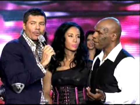 Showmatch 2011 - Mike Tyson no conoce a la Mole Moli
