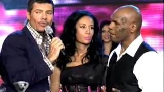Showmatch 2011 - Mike Tyson no conoce a la Mole Moli