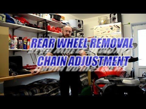 How to remove the rear wheel and adjust the chain on the BMW S1000xr