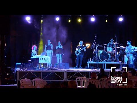 VÍDEO: Música para el verano: El grupo de la cantante Ana de Lois en el Paseo de Rojas