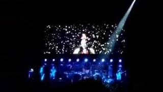Gwen Stefani - Early Winter (Live @ Paris Bercy 09/17/07)