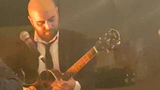 Giuliano Sangiorgi Negramaro canta per Andrea Delogu e Francesco Montanari al  loro weedding party.