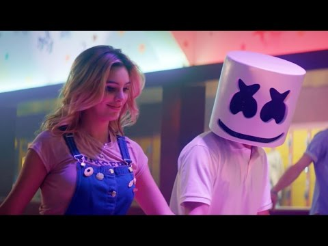 Marshmello - Summer (Clip Officiel) avec Lele Pons