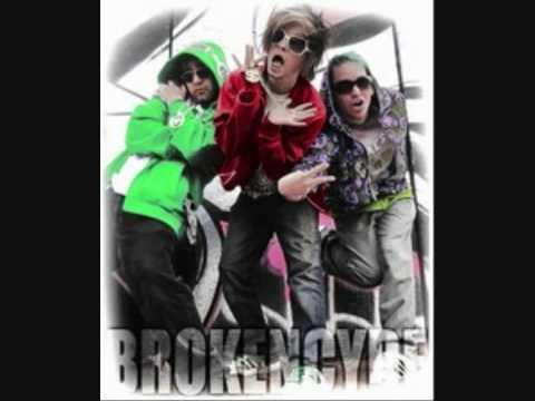 Brokencyde  40 oz