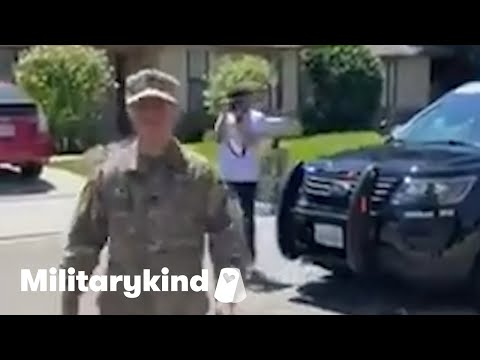 Son surprises father at retirement parade   Militarykind